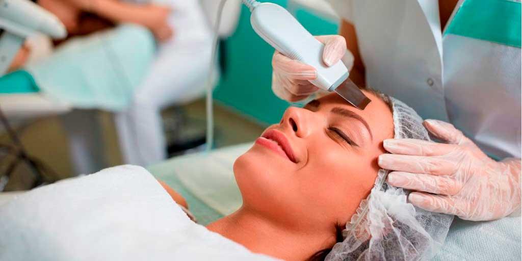 процедуры и продукты впечатление безупречной сияющей кожи показатель хорошего здоровья подчеркивает ваше лицо