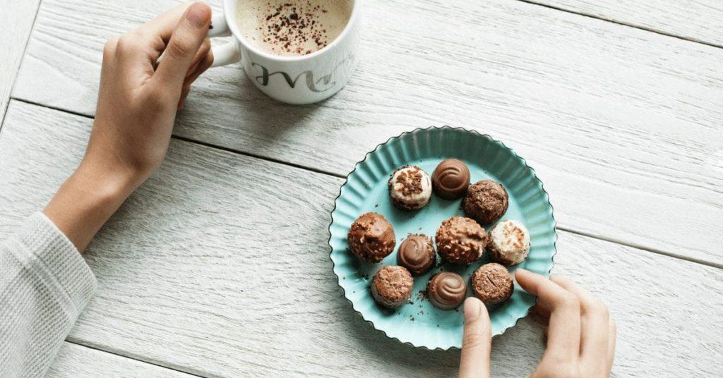 Шоколад вызывает прыщи?