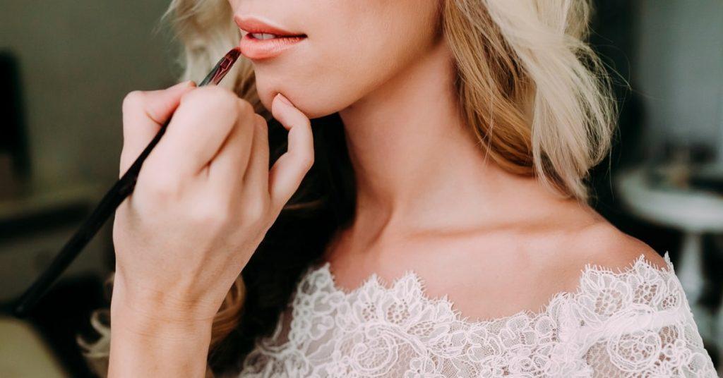 Подготовить губы к идеальному поцелую